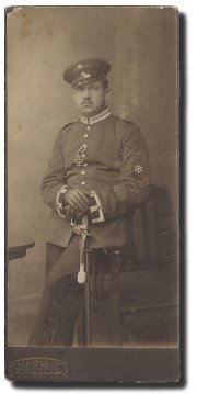 Peter Ingwardsen in Uniform eines Steuermanns des Luftschiffer-Batallions No. 2 Berlin.